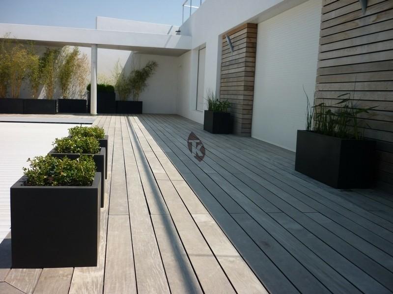 Lames de terrasse en bois exotique ip clipser tekabois for Terrasse a clipser