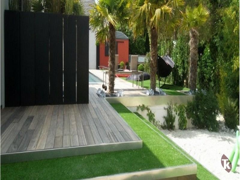 petite terrasse en bois interesting mini piscine intgre. Black Bedroom Furniture Sets. Home Design Ideas
