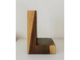Lettre en bois suar